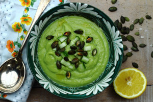 THE PERFECT ANTI-AGEING SUMMER SOUP – WHY AVOCADOS RULE