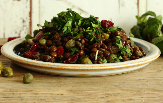 lentil-salad-on-wood