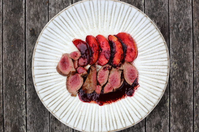 venison with blackberries and apples