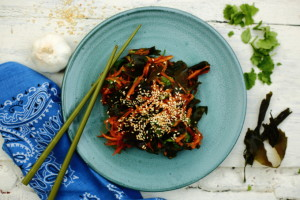 SEAWEED – IS IT ALL IT'S CRACKED UP TO BE? WAKAME & CARROT SALAD