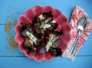 EAT MORE ONIONS TO KEEP BOWEL CANCER AT BAY: ROAST RED ONIONS WITH ROSEMARY & ROQUEFORT
